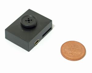 Minikamera als Hemdknopf