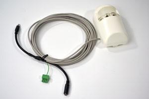 Verbindungskabel von drahtgebundenen Alarmsensoren zu IP-Kameras und Alarmanlagen mit Installation